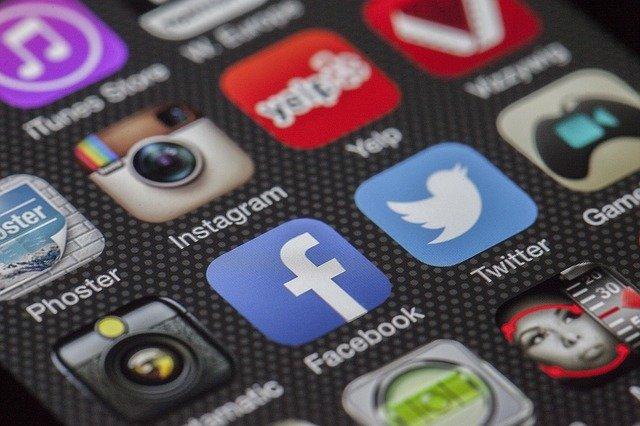 Body Positive Social Media Accounts  I  Strawberry Shortcake with Rosemary